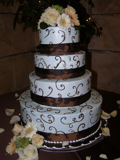 Chocolate and vanilla frosted wedding cakes